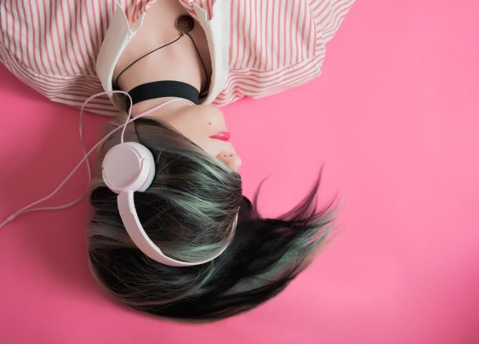 How listening to music increase productivity