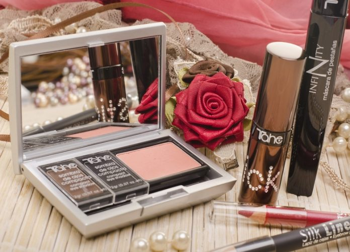 Must-have Makeup Items the Wedding Season