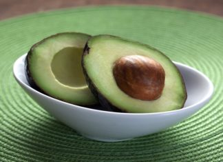 Benefits of avocado for dry hairs