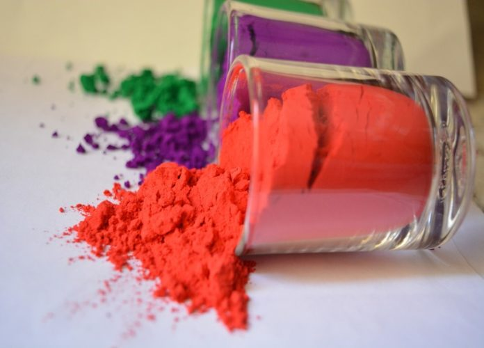 WAYS TO MAKE NATURAL HOLI COLORS AT HOME